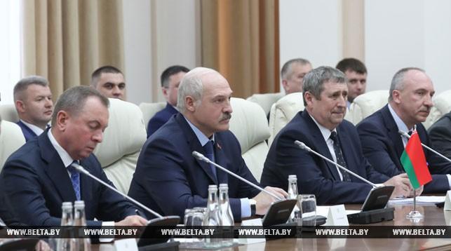 Беларуси и Молдове нужно активнее развивать совместные предприятия и создавать новые — Лукашенко