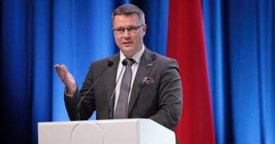 Андрей Кривошеев вручил награды журналистам газеты «Рэспубліка»